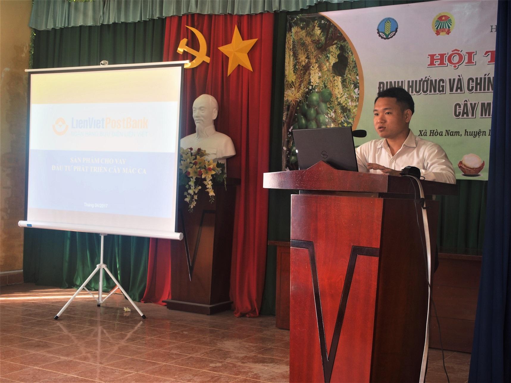 Đại diện Ngân hàng Bưu điện Liên Việt CN Lâm Đồng phát biểu tại hội thảo