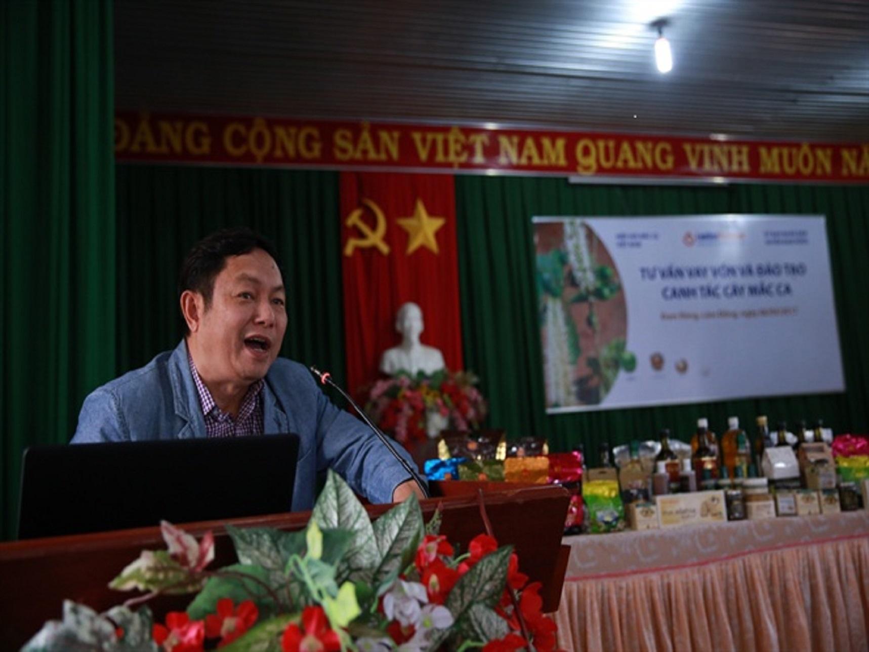 Ông Huỳnh Ngọc Huy khẳng định, trồng mắc ca rất dễ và cây giống quyết định sự thành bại hiệu quả